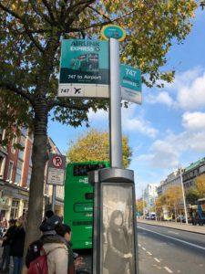 ダブリンエアリンクのバス乗り場の看板